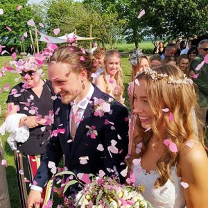 Hertfordshire Wedding Venue confetti